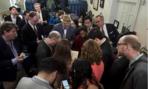 Cấm NY Times, CNN dự họp báo, quan hệ Nhà Trắng và truyền thông căng thẳng