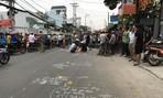 Xe máy va chạm xe rác ở Sài Gòn, hai thanh niên chết tại chỗ