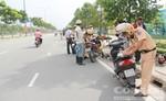 CSGT ra quân bắn tốc độ trên đường Mai Chí Thọ, quận 2