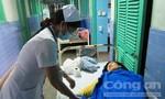 Hơn 100 người bị ngộ độc nhập viện do ăn bánh mì