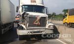 Mất phanh, xe đầu kéo gây tai nạn liên hoàn trên cầu Phú Mỹ