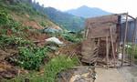 Quảng Nam: Sạt lở núi vùi lấp 3 ngôi nhà