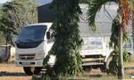 Thả xe chở gỗ vi phạm, kiểm lâm viên thứ 3 bị bắt giữ
