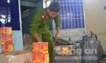 Bắt gần 2 tạ pháo Trung Quốc nhập lậu vào Việt Nam