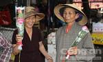Huế: Hơn 10.000 hoa hồng trao tặng phụ nữ nghèo