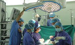 Bé gái bị xe buýt tông ngưng tim, ngưng thở 'hồi sinh' ngoạn mục tại bệnh viện