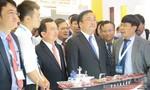 Phó Thủ tướng đến tham quan Triển lãm của Tập đoàn Dầu khí Việt Nam
