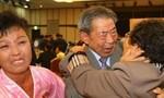 Rơi nước mắt thời khắc đoàn tụ của các gia đình Triều Tiên ly tán