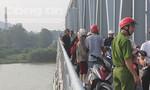 Nghệ An: Nam thanh niên nhảy cầu Bến Thủy tự tử
