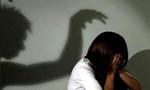 Bị vợ bắt quả tang khi đang giở trò đồi bại với con gái ruột