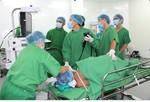 Ca phẫu thuật nội soi xuyên Việt cứu sống một bệnh nhân người Campuchia