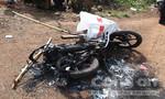 Trộm chó, hai thanh niên bị người dân đánh chết rồi đốt xe
