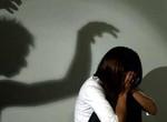 Bé gái 10 tuổi nghi bị gã hàng xóm hiếp dâm