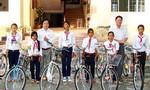 Trao học bổng và xe đạp cho học sinh nghèo hiếu học