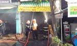 Cháy 11 ki-ốt, cô gái 27 tuổi tử vong