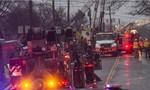 Máy bay đâm vào nhà dân: 9 người chết