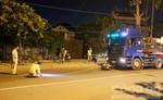 Hai thanh niên nhập viện sau cú tông trực diện vào Container