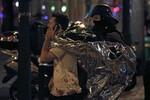 Khủng bố tại Paris: Ít nhất 140 người chết