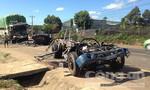 Hai xe tải đối đầu, tài xế và phụ xe chết trong cabin