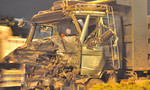 Xe bồn nổ lốp, hai tài xế nhập viện cấp cứu