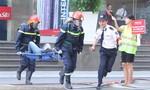 Diễn tập chữa cháy, cứu hộ hàng trăm người mắc kẹt trong cao ốc bốc cháy