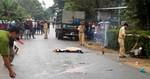Đường trơn mất tay lái, nam thanh niên chết thảm dưới bánh xe tải