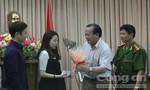 Vợ chồng du khách xứ Hàn nhận lại tiền để tiếp tục tuần trăng mật