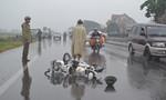 Xe ôtô đâm xe đạp điện bay xa 20m, 3 bà cháu bị thương nặng