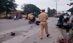 Xe máy đối đầu tốc độ cao, ba người nhập viện
