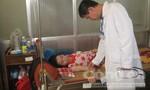 Hơn 30 công nhân nhập viện nghi do ngộ độc thực phẩm