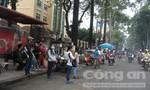 Sinh viên ĐH Sài Gòn bức xúc tình trạng buôn bán nhếch nhác trước cổng trường