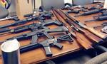 Công ty tin học chứa lựu đạn cùng nhiều vũ khí