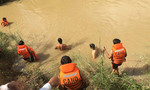 Rủ nhau bơi qua sông bắt rắn, một người bị nước cuốn mất tích