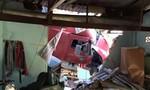 Container mất lái lao vào nhà dân làm 2 người chết, 1 người bị thương