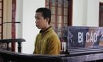 Nghệ An: Yêu râu xanh cưỡng hiếp bé 12 tuổi đang cắt rau má
