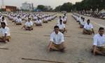 Ấn Độ: Ra tù sớm nếu qua được bài thi yoga