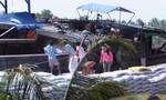 Tiền Giang: Sà lan, ghe tải va nhau khiến 130 tấn thức ăn chìm dưới sông Tiền
