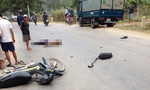 Người đàn ông đi xe biển xanh bị xe tải tông chết thảm