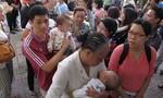 Đăng kí vắc xin qua tổng đài 1080: Nhà mạng hốt bạc