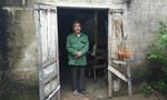 Xót xa cảnh cụ già bị vợ con bỏ, sống lay lắt trong căn nhà rách nát