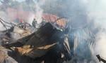 Cháy xưởng gỗ trong đêm, hàng trăm người dân hoảng loạn