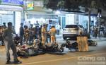 Ô tô 7 chỗ mất lái tông 4 xe máy, 4 người thương vong