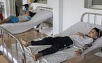 15 học sinh tiểu học nhập viện do ngộ độc thức ăn
