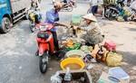 """Độc đáo """"chợ"""" sâu bọ Sài Gòn"""