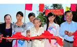 Gia đình ông Trần Trọng Tân xây cầu, tặng quà người nghèo tỉnh Đồng Tháp