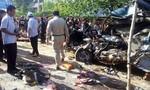 Xe buýt sang Campuchia tông xe chở công nhân, ít nhất 16 người tử vong