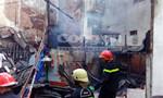 Cháy rụi 3 căn nhà giữa khu dân cư Sài Gòn