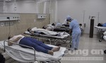 Hàng chục công nhân tiếp tục nhập viện vì nôn ói, ngất xỉu