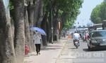 Người Hà Nội tránh nóng trong thời tiết 40 độ C