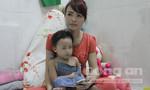 Bảo mẫu đánh đỏ mông trẻ 27 tháng tuổi